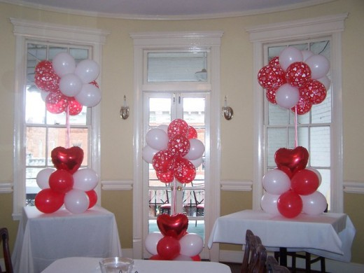 Balloon clusters can be tailored to any color and any size.
